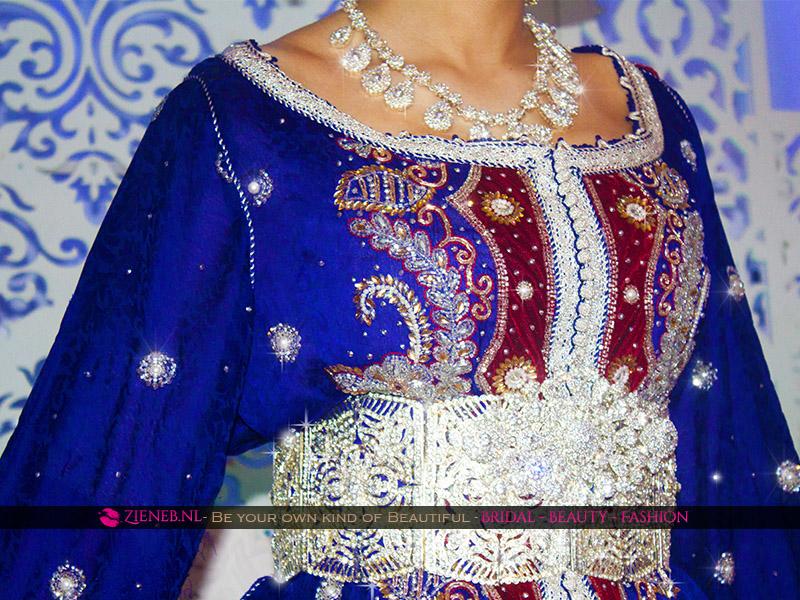 Marokkaanse trouwjurk / Bruidslebsa huren Keizer Blauw, Bordeaux Rood en Zilver. Bridalstyling Visagie Makeup Haarssieraden, bruidssieraden